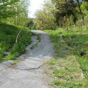Zelená/Jazmínová ulica - chodník a schody